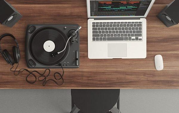 добавляем музыку в пост тик тока